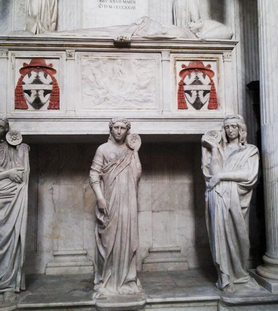 Particolare: le due cariatidi e la tomba con l'Assunzione di Donatello