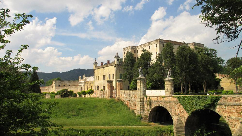 Stop al centro commerciale davanti al Castello del Catajo: lo dice il Consiglio di Stato