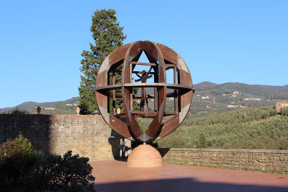 Vinci, azienda privata finanzia restauro dell'Uomo di Vinci, capolavoro di Mario Ceroli