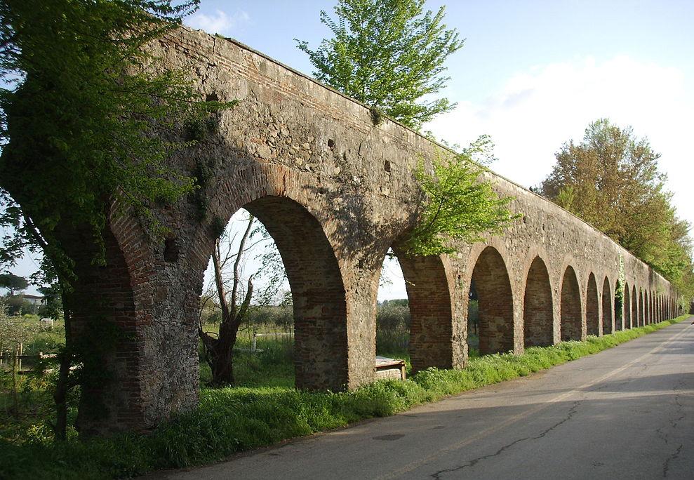 Pisa, programma del sindaco propone di demolire tre arcate dell'Acquedotto Mediceo per farci passare la tangenziale