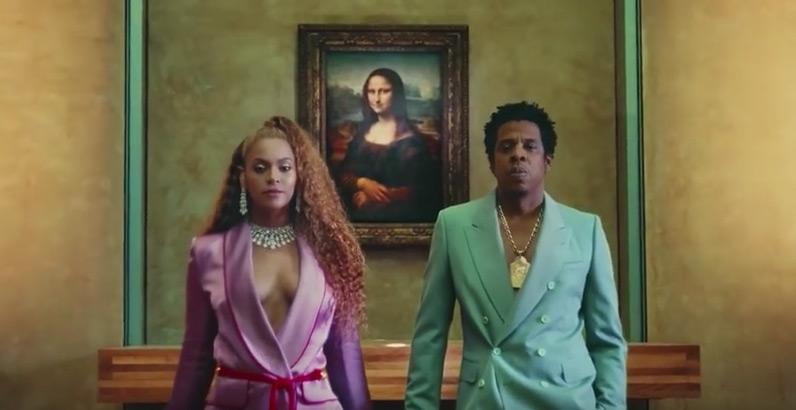 Sorpresa: Beyoncé e Jay Z girano il video della loro nuova canzone al Louvre. Sapete riconoscere le opere?