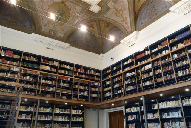 L'Università di Genova regala i libri destinati al macero