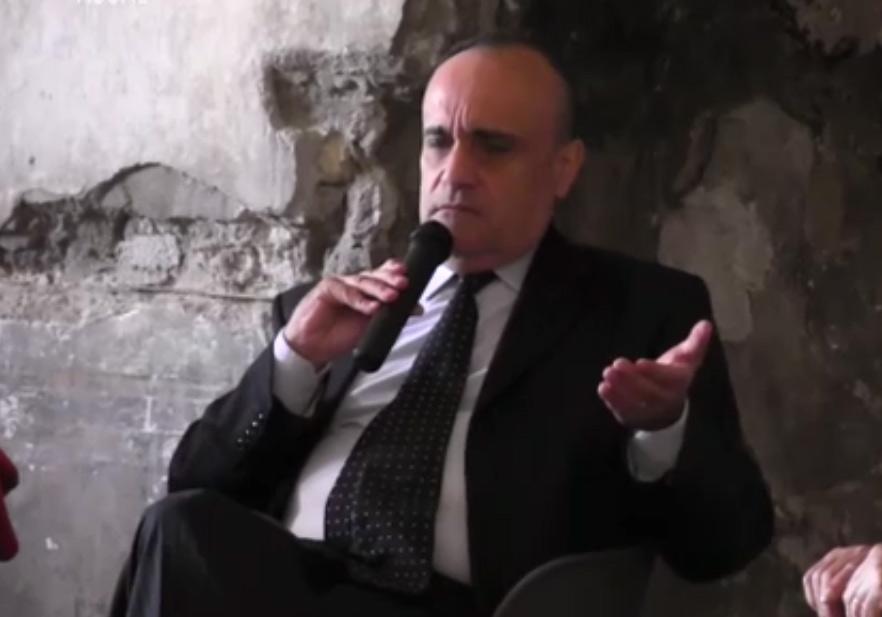 """Altra gaffe di Bonisoli: """"migranti come piante esotiche: rischiano d'infestare"""". Furfaro (LeU): """"è un imbecille"""""""