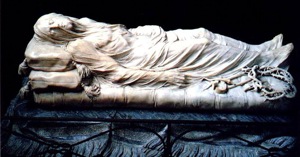 Napoli: il Cristo velato a lume di candela negli scatti di Migliori