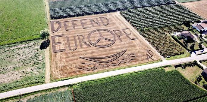 Verona, una grande opera su terreno agricolo per chiedere all'Europa decisioni efficaci sui migranti
