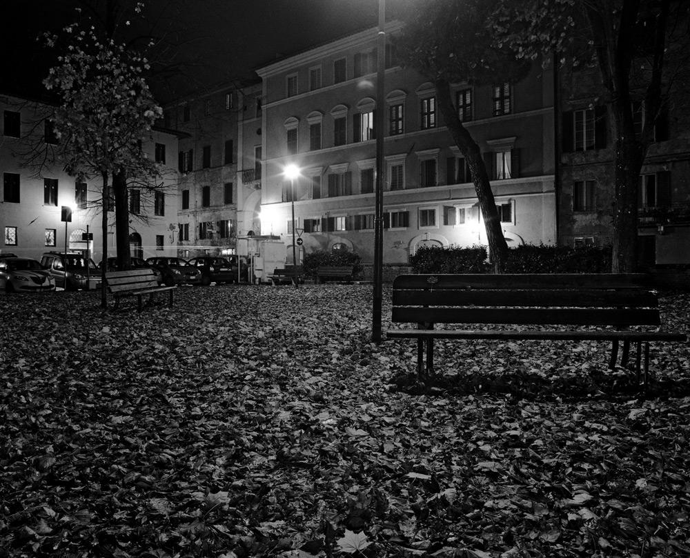 Siena di notte raccontata in una mostra di Ennio Petreni