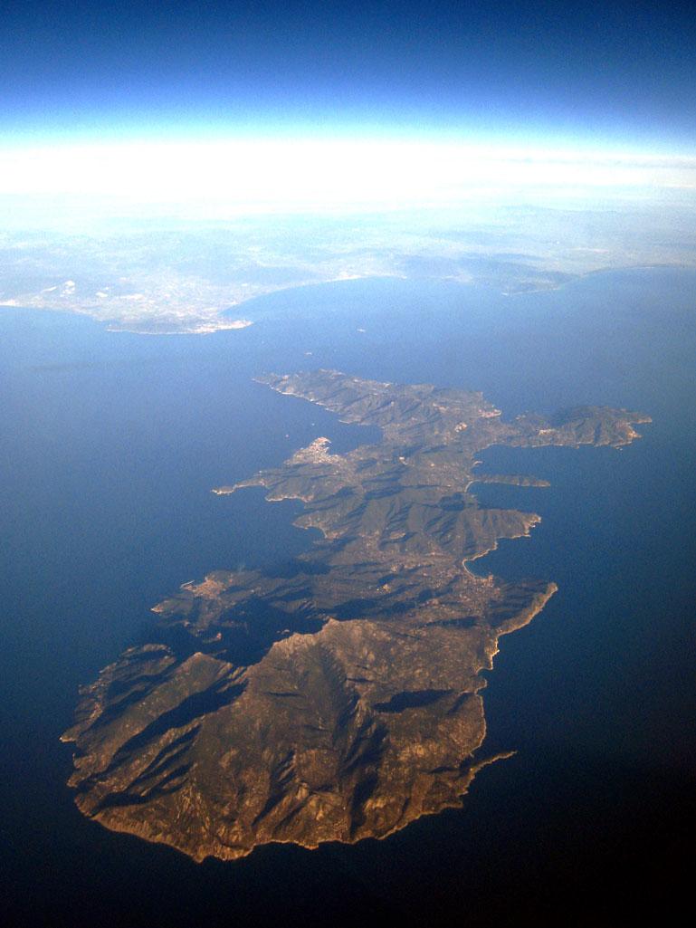 Rinvenuta un'anfora greco-romana nel mare dell'Isola d'Elba