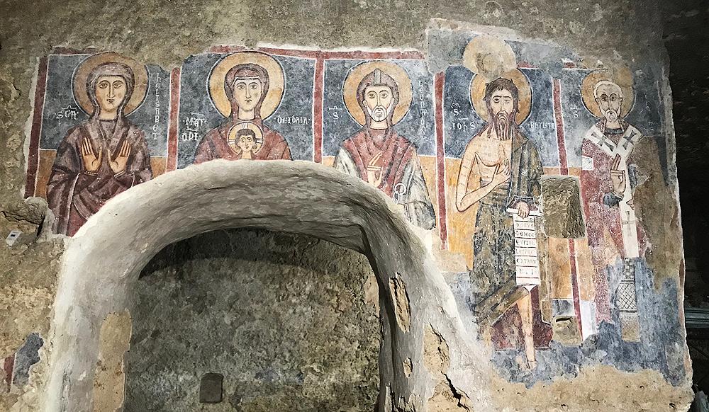 Lentini, termina il restauro dei santi medievali nella chiesa rupestre del Crocifisso