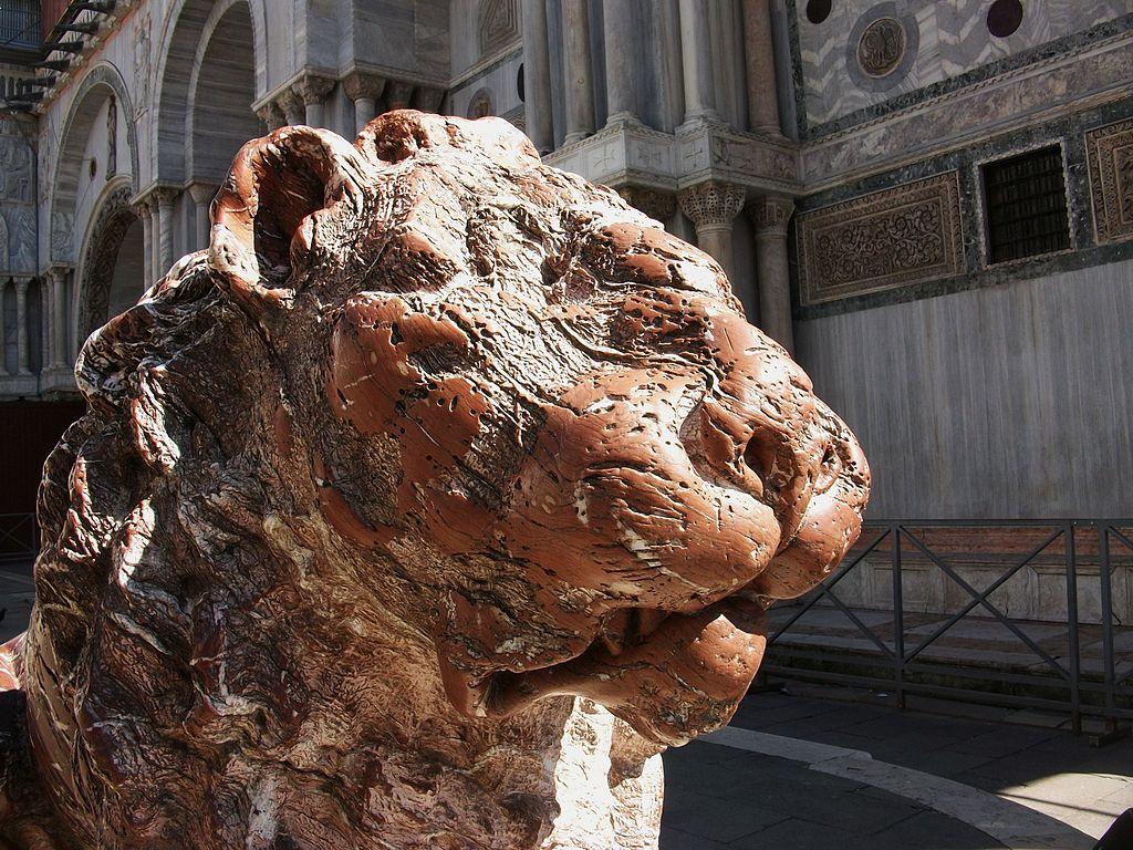 I vandali di San Marco sono quattro studenti, due dell'Accademia. Zaia chiede esposizione al pubblico ludibrio