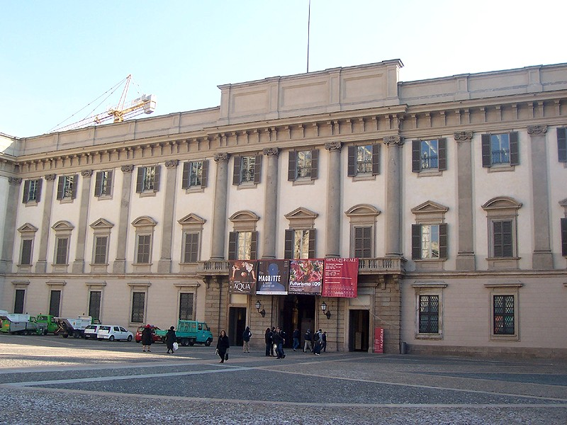 Milano, muore storico collaboratore di Bonalumi mentre allestiva la mostra a Palazzo Reale