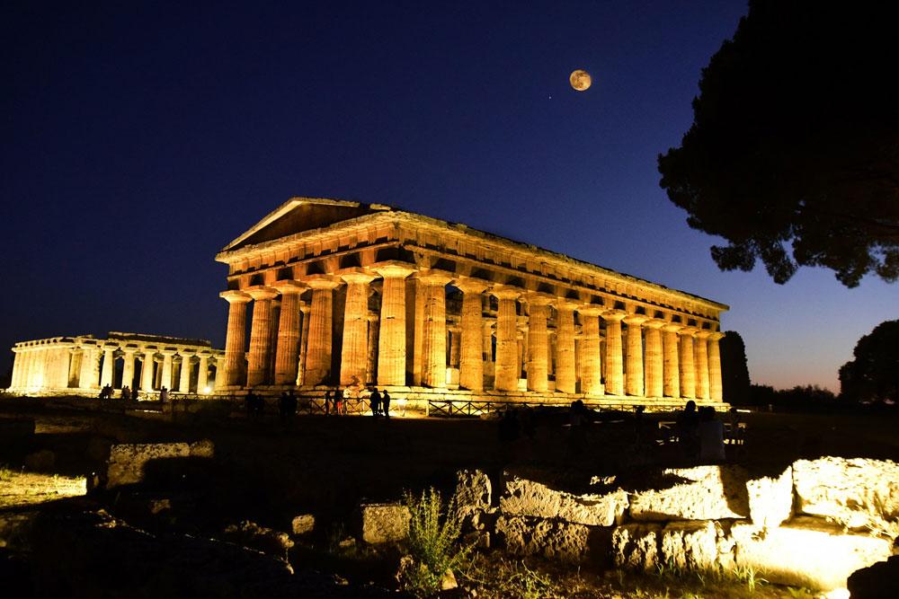 Paestum by night: ogni sabato e domenica visite in notturna