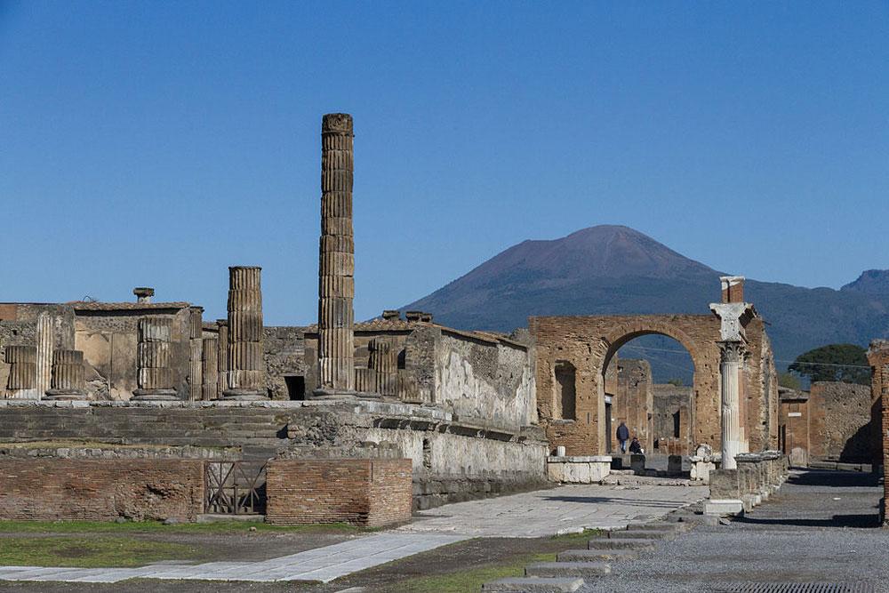 Pompei raccontata in un podcast con voci dell'arte e della cultura