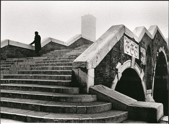 Arrivano anche a Genova le fotografie di Fulvio Roiter, una mostra a Palazzo Ducale