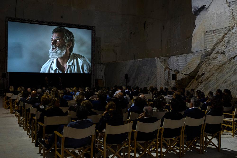 """Dentro una cava a Carrara la prima del film """"Michelangelo Infinito"""" (ecco le foto). Stasera su Sky Arte il backstage"""