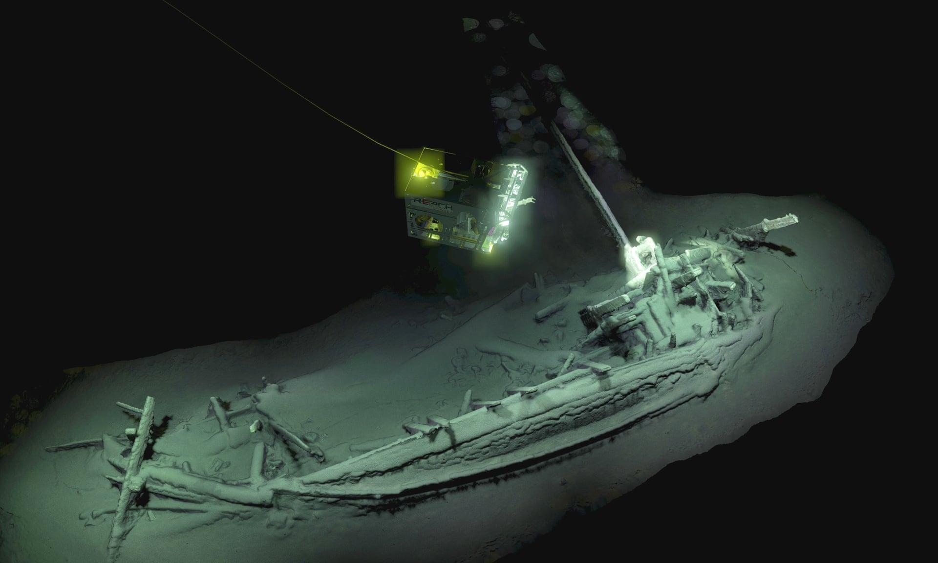 Scoperta epocale nei fondali del Mar Nero, trovata la più antica nave di sempre: è di 2.400 anni fa