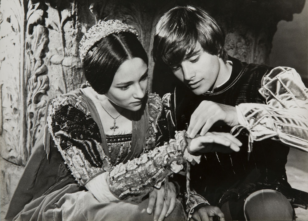Romeo e Giulietta di Zeffirelli compie cinquant'anni: una mostra a Pienza celebra il film