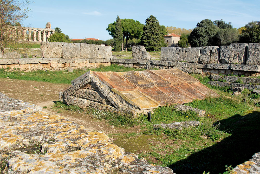 Iniziati gli scavi a Paestum curati dall'Università degli Studi di Napoli L'Orientale