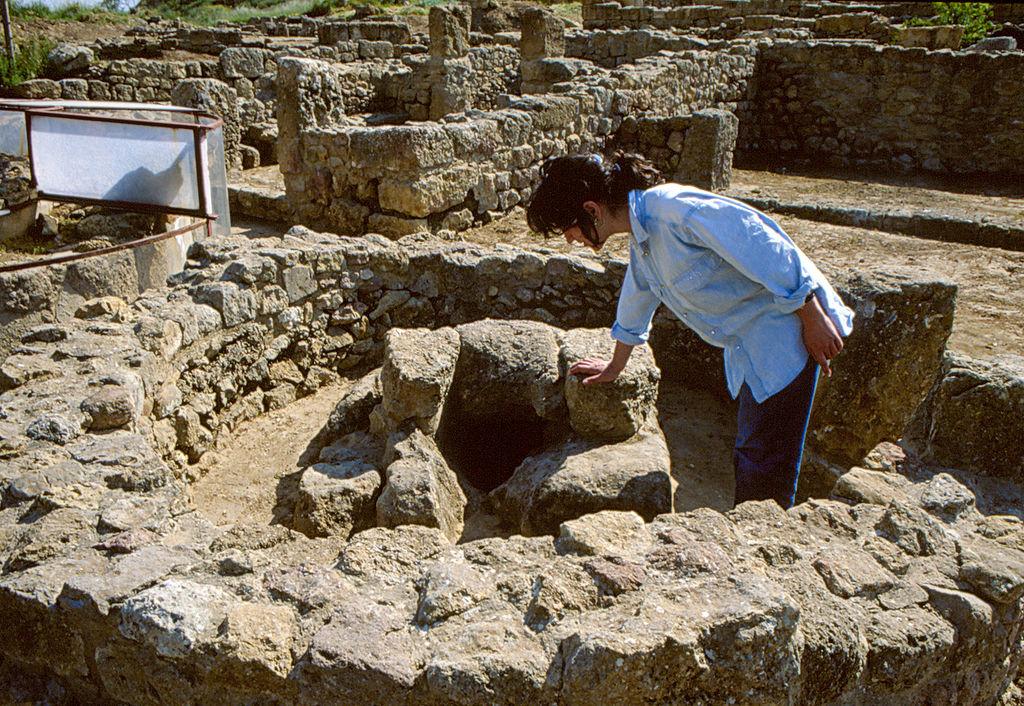 La Lega vuole impiegare turisti negli scavi archeologici. Ma il sottosegretario del MiBAC (ovviamente) si oppone