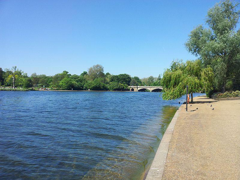 Nel Serpentine Lake a Hyde Park la nuova opera galleggiante di Christo