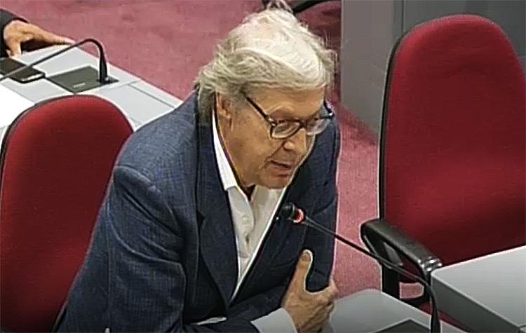 Sgarbi durissimo: Uffizi sfregiati, la green economy vuol dire trionfo della mafia e i musei italiani devono avere direttori italiani
