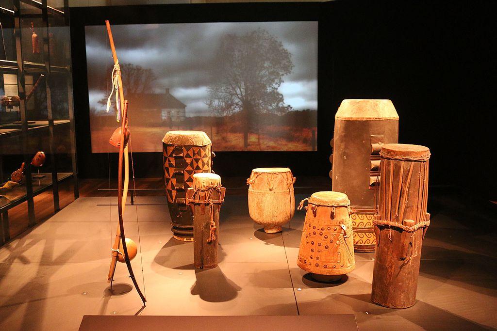Decolonizzazione culturale, operazione storica: quattro musei olandesi pronti a restituire migliaia di opere ai paesi d'origine