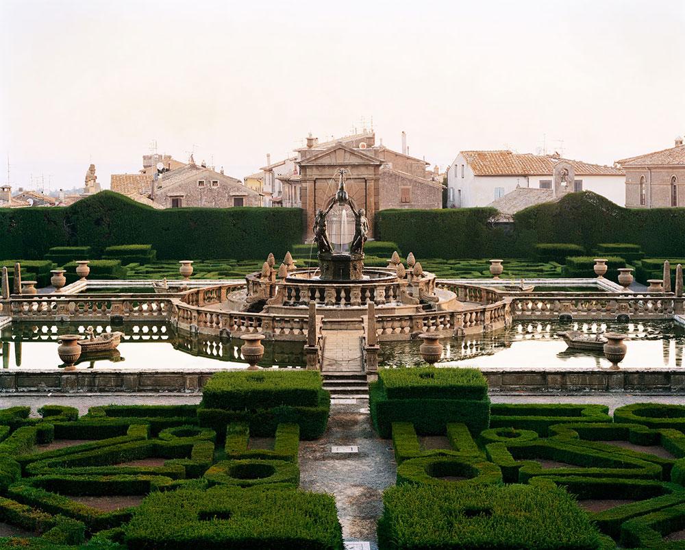 Giardini in dialogo con l'antico: Lawrence Beck in mostra al Palazzo Ducale di Sassuolo