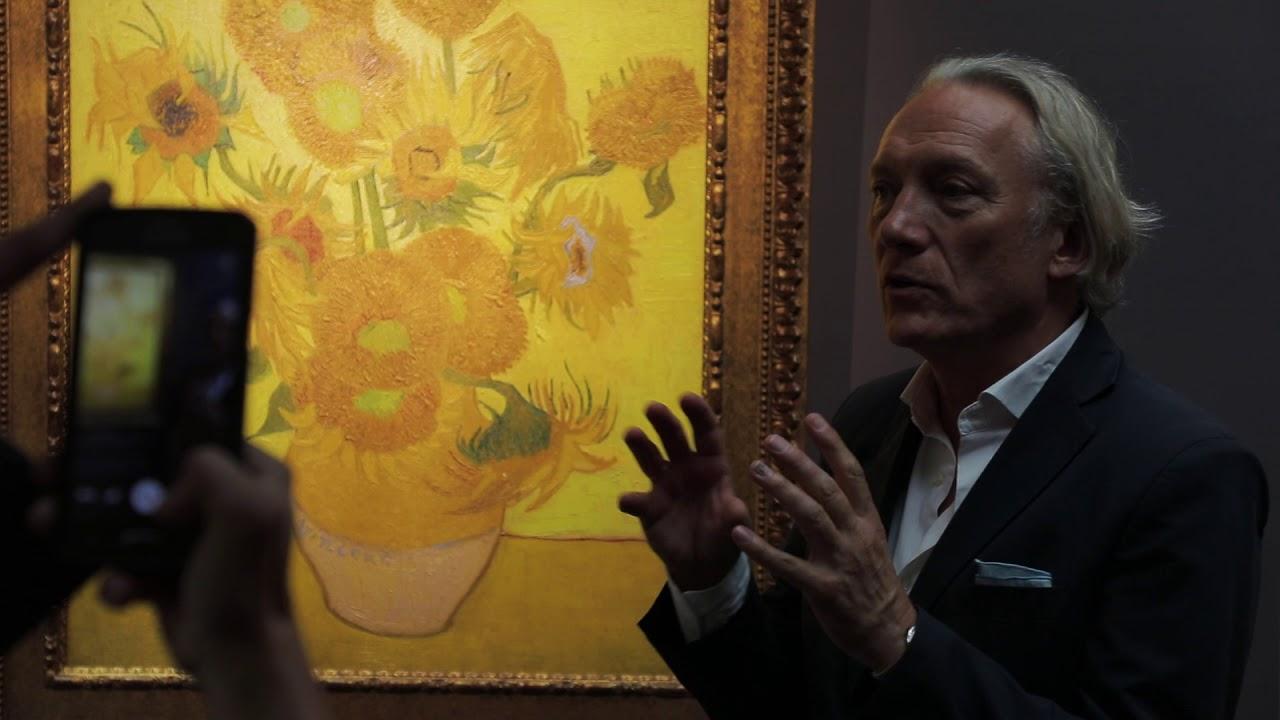 Van Gogh come una pop star: se ne va in tour mondiale nei centri commerciali