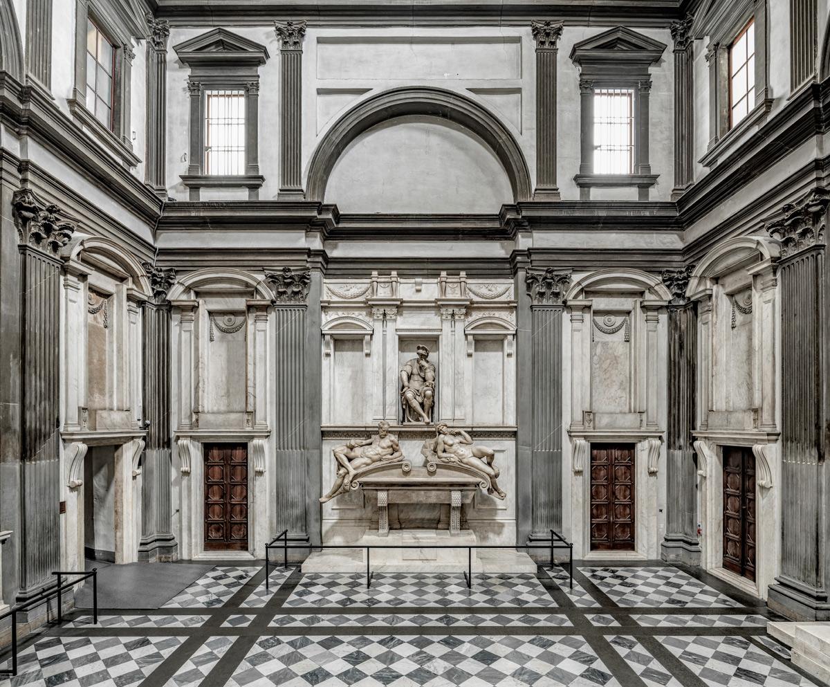 La Sagrestia Nuova, vista con la tomba di Lorenzo duca d'Urbino. Ph. Credit Andrea Jemolo