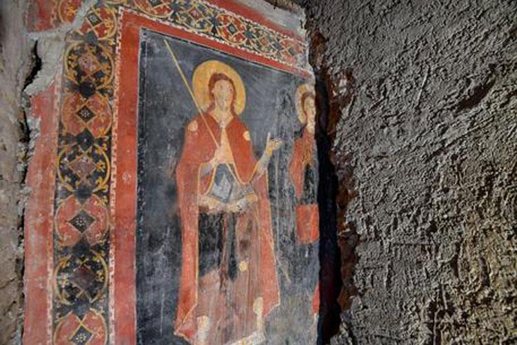 Straordinaria scoperta a Roma: nella chiesa di Sant'Alessio rinvenuto affresco medievale in ottimo stato di conservazione