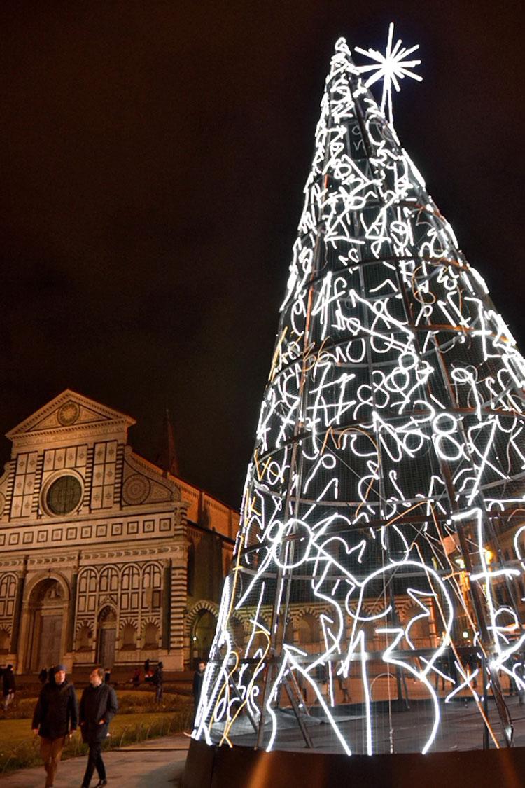 Accesi a Firenze gli alberi di Mimmo Paladino e Domenico Bianchi