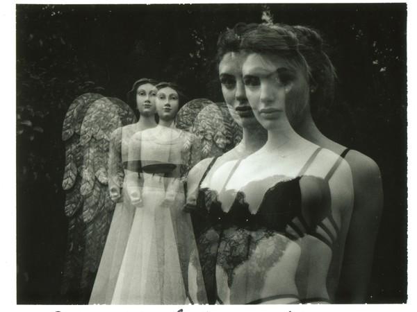 """A Genova, il fotografo Maurizio Galimberti riflette sull'immagine della donna con la mostra """"aMuse"""""""