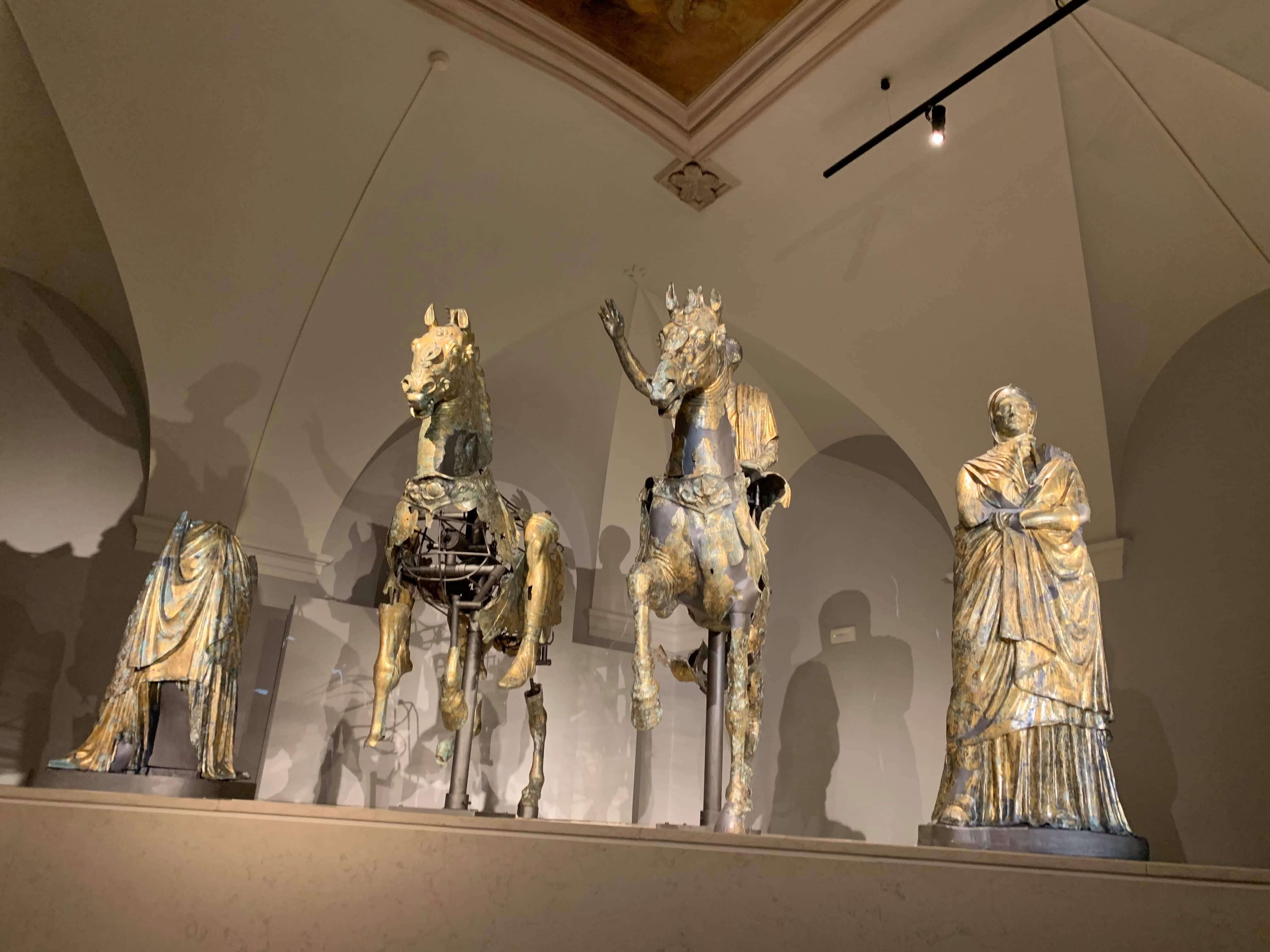 Per i preziosissimi bronzi dorati di Pergola, una nuova sala immersiva firmata da Paco Lanciano