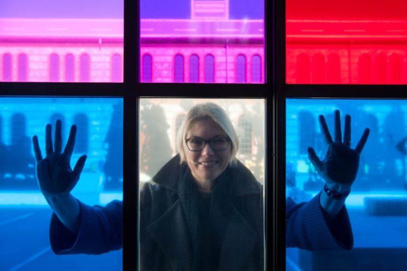 100 donne contro gli stereotipi: a Milano le foto di Gerald Bruneau raccontano la scienza al femminile
