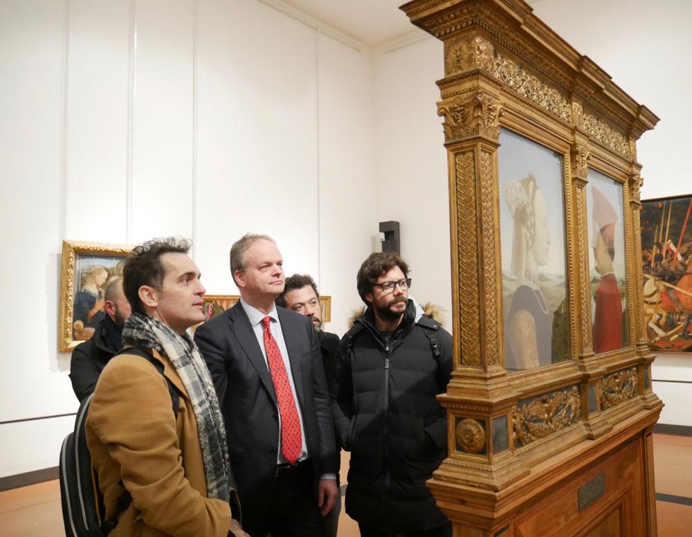 Il Professore, Berlino e il regista de La Casa di Carta hanno visitato le Gallerie degli Uffizi con Eike Schmidt