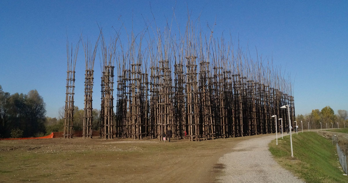 Lodi, abbattuta la Cattedrale Vegetale di Mauri. È durata solo due anni ed era costata 300mila euro