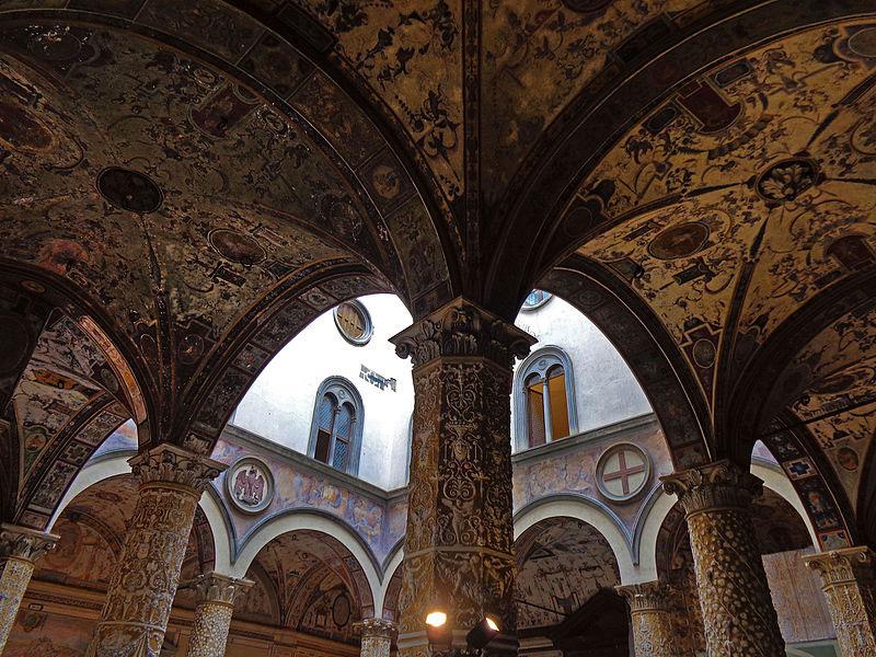 Le scalinate vasariane di Palazzo Vecchio saranno restaurate dopo oltre vent'anni