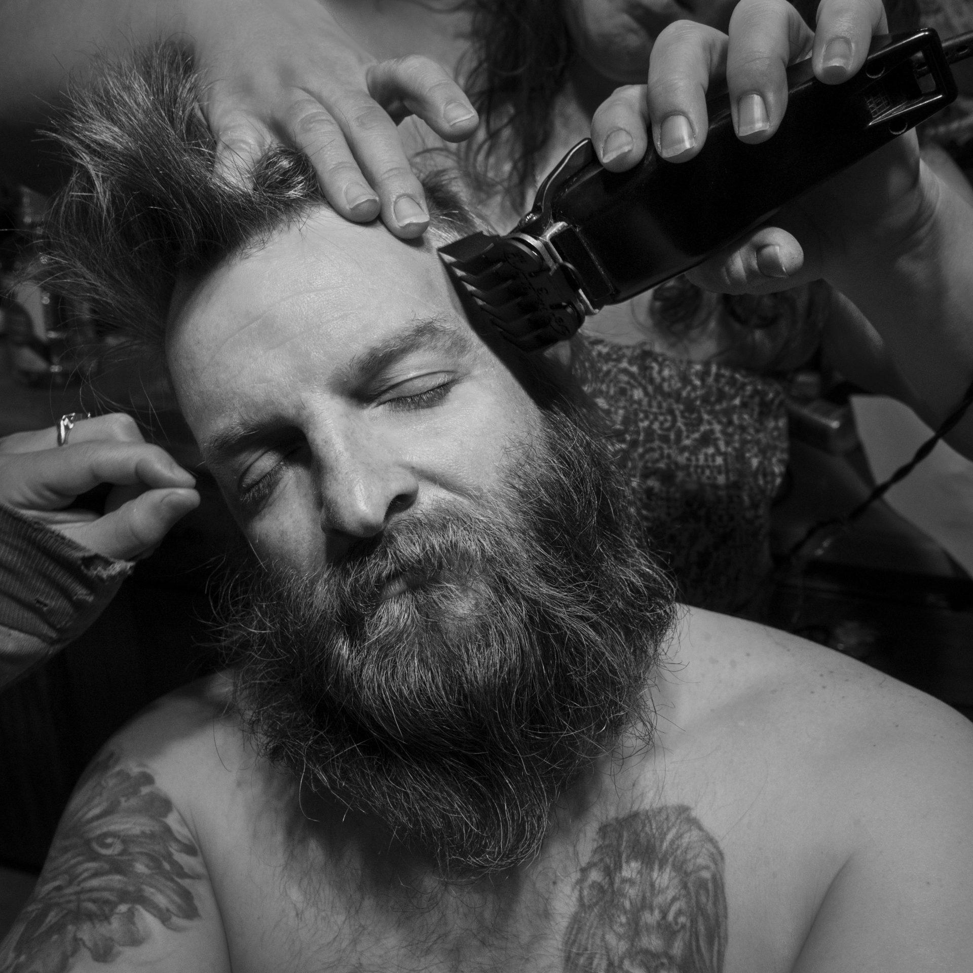 """L'America secondo il fotografo Larry Fink in mostra a Torino con """"Unbridled Curiosity"""""""