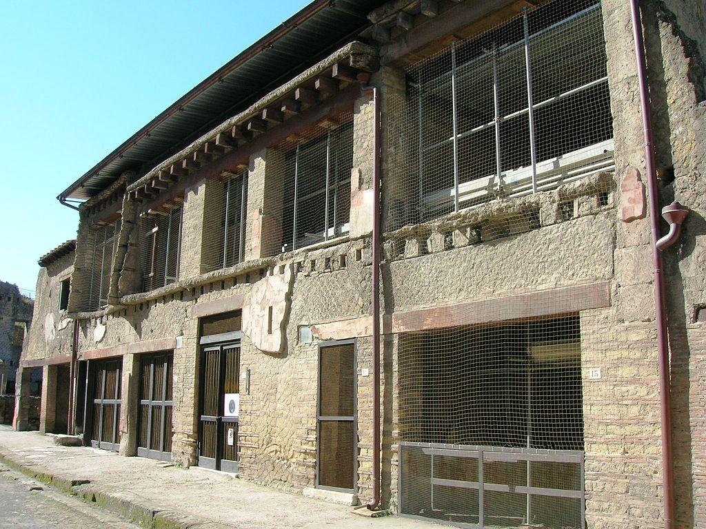 Ercolano, dopo 30 anni riapre la Casa del Bicentenario, una delle antiche dimore più preziose della città