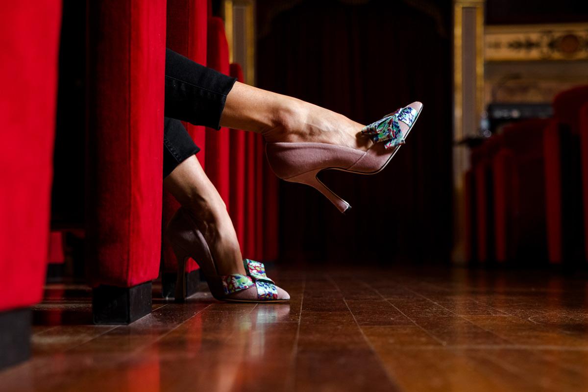Calzaturificio delle Marche crea scarpe ispirate alla street art. Collaborando con lo street artist Gola Hundun