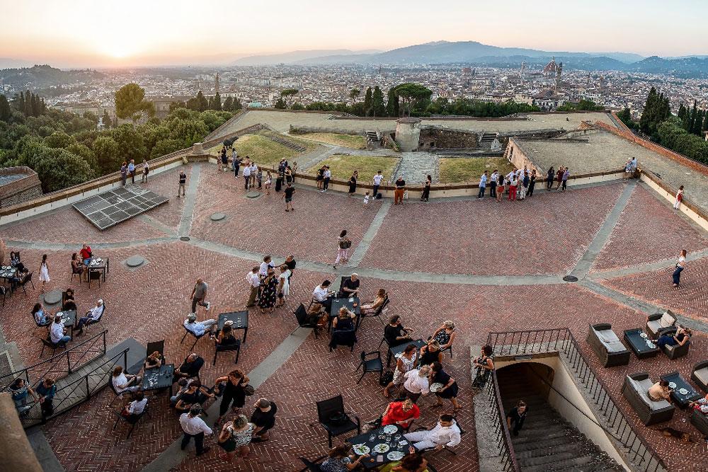 Firenze vista dall'alto di torri e fortezze. Per tutta l'estate visite guidate
