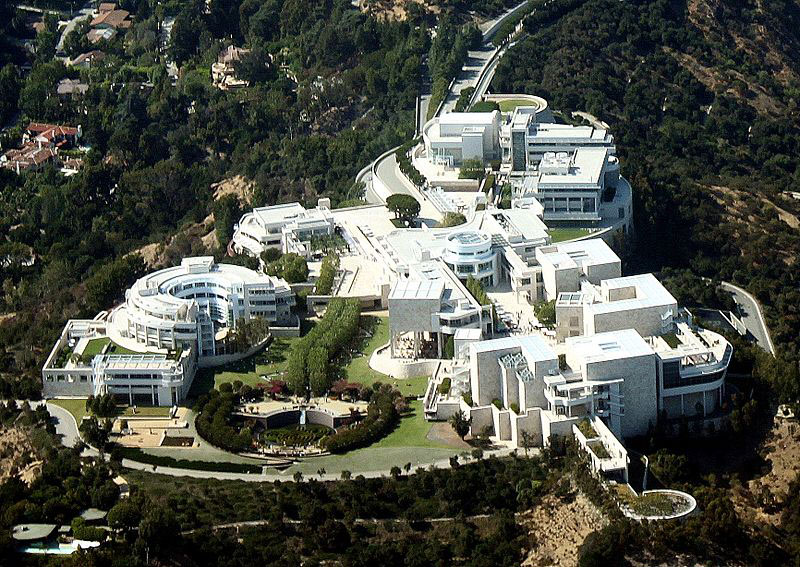 Gli incendi in California minacciano il Getty Museum di Los Angeles