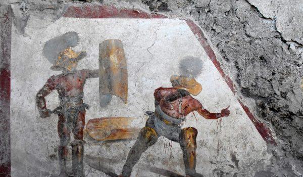 Pompei, scoperto un grande affresco con due gladiatori