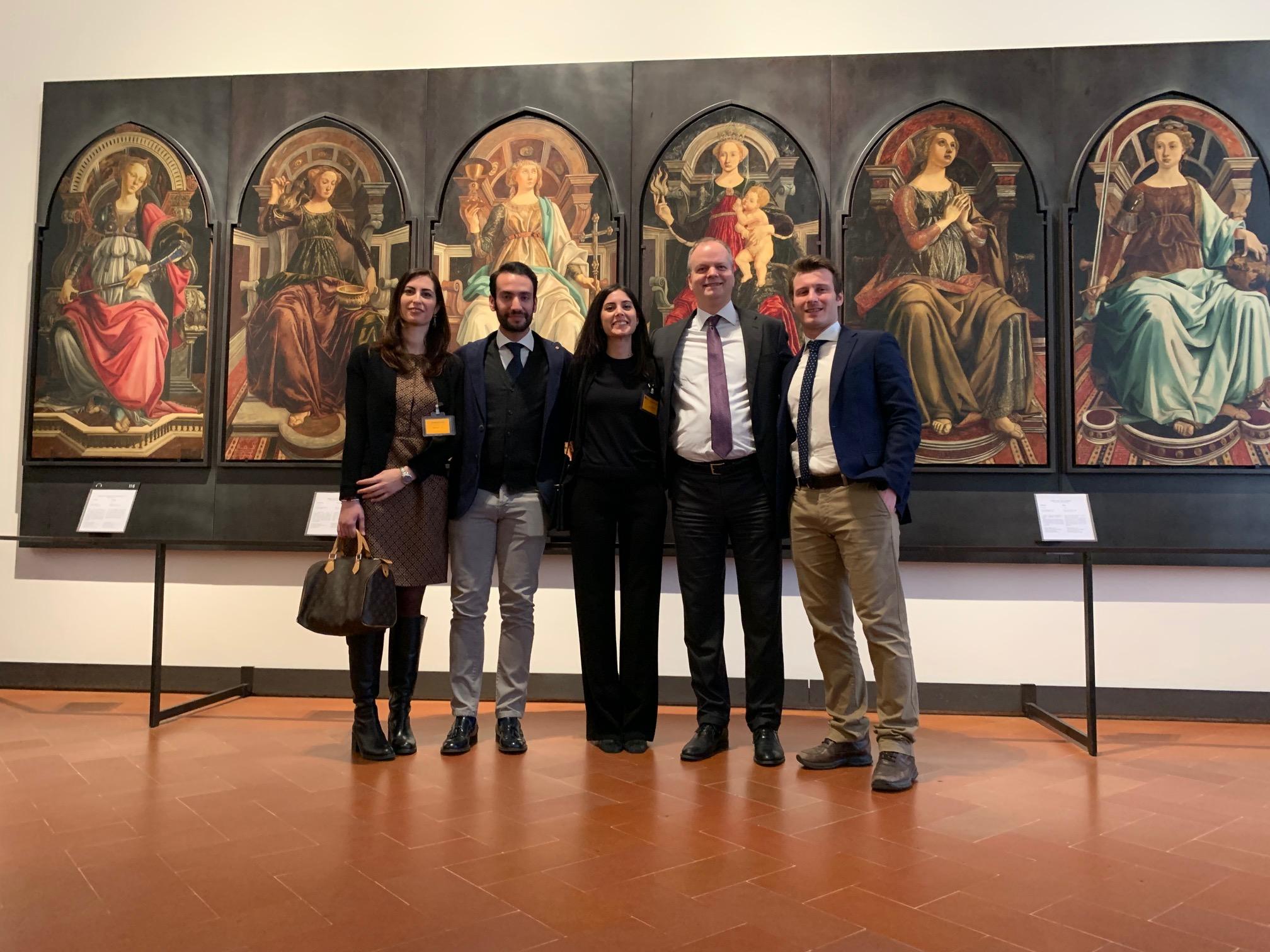 Salvarono la vita a un pensionato che ebbe un malore davanti alla Venere di Botticelli, premiati dagli Uffizi