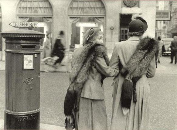 Grande fotografia a Milano, al Museo Diocesano si ricostruisce la prima mostra di Magnum, da Capa a Cartier-Bresson