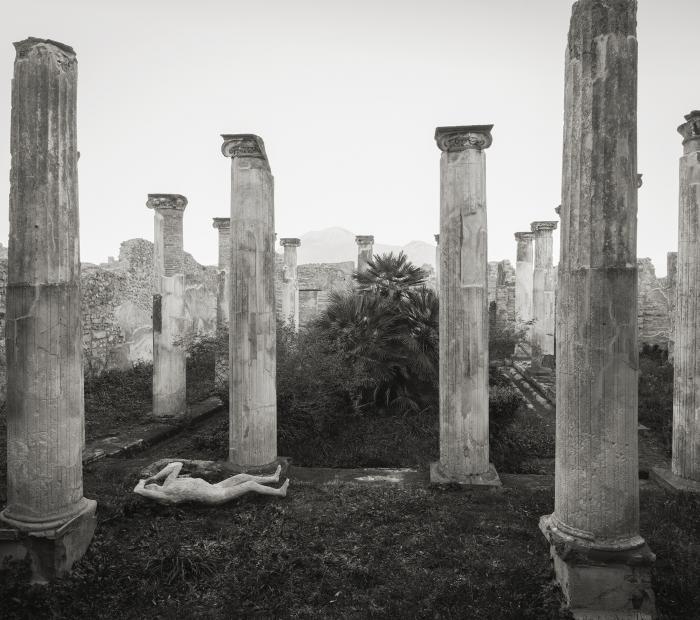 Modena, una mostra dedicata a Pompei negli scatti del fotografo giapponese Kenro Izu