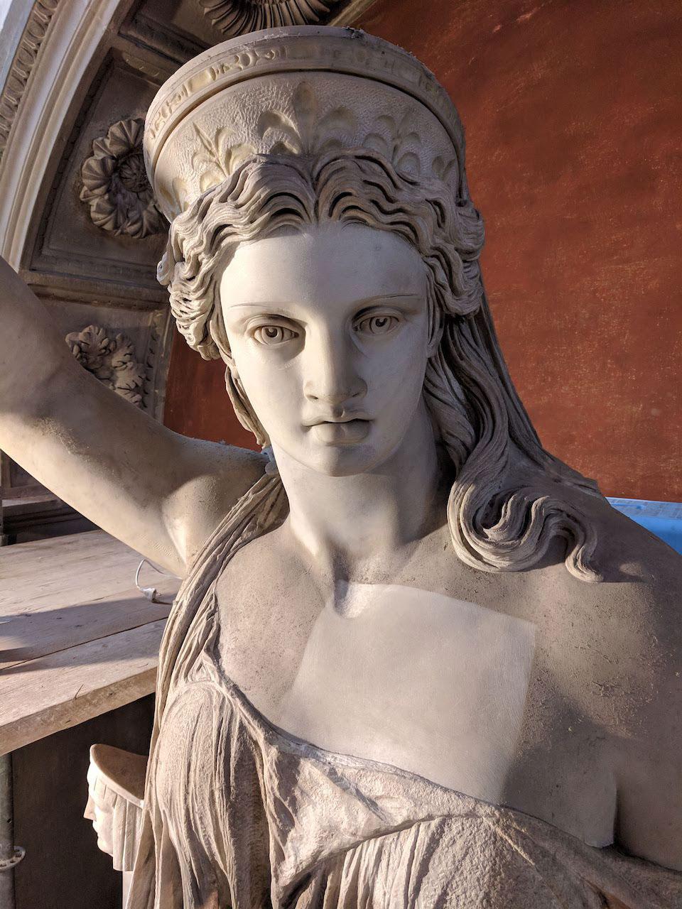 Restaurata la Libertà della Poesia, la statua che probabilmente ispirò la Statua della Libertà di New York