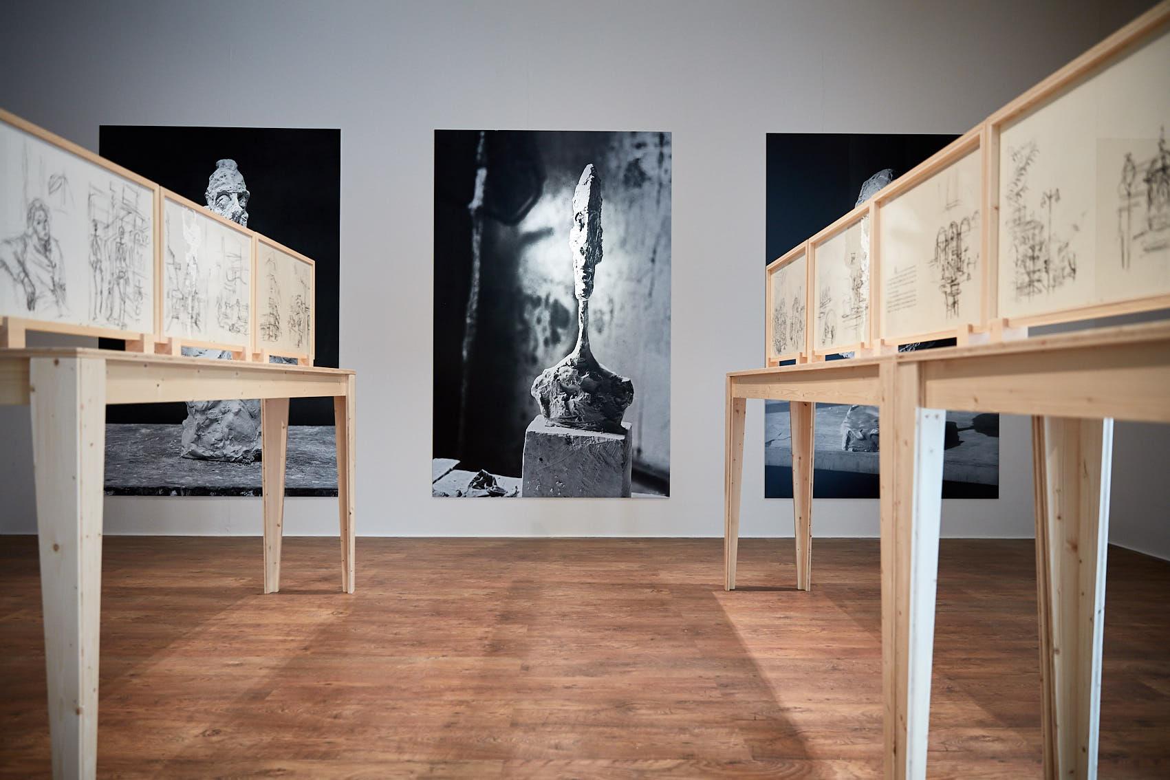 """Alberto Giacometti, le litografie originali di """"Paris sans fin"""" sono in mostra a Cecina"""
