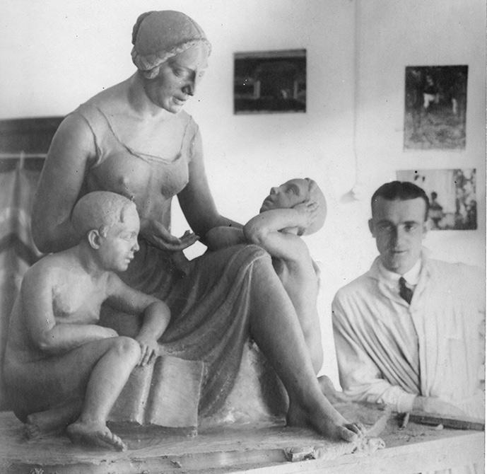 Le origini di Lucio Fontana vengono ricostruite in una mostra in Argentina, nella sua città natale