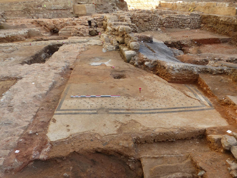 Scoperto un grande mosaico romano a Poitiers: potrebbe trattarsi di uno dei più antichi resti della città