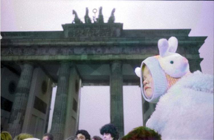 Quaranta fotografie inedite di Massimo Golfieri mostrano la caduta del muro di Berlino, a trent'anni dall'evento